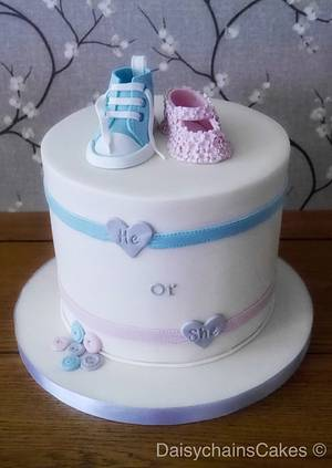 Gender reveal cake  - Cake by Daisychain's Cakes