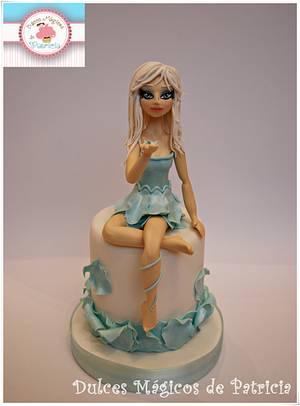 White winter doll - Cake by Dulces Mágicos de Patricia