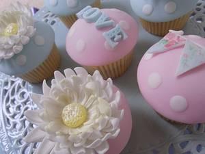 Summer of Love  - Cake by Lulu Belles Cupcake Creations