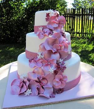 Pink flowers wedding cake - Cake by Ania