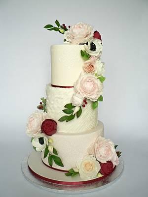 P&R Wedding Cake (peony and roses) - Cake by Martina Matyášová