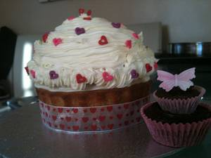 My very first Giant Cup cake  - Cake by Melinda