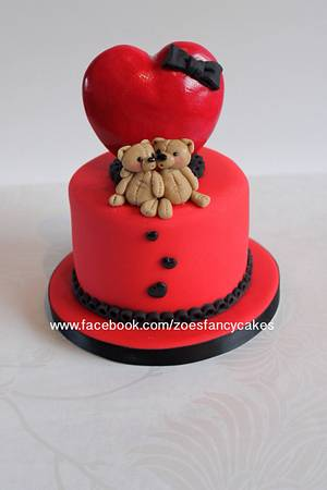 Little valentines bears  - Cake by Zoe's Fancy Cakes