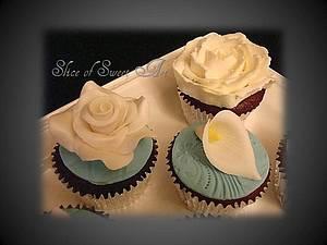 Flower Cupcakes - Cake by Slice of Sweet Art