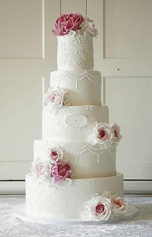 Wedding cake with roses and peonies - Cake by Sannas tårtor