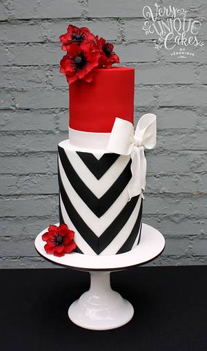 Elegant V-Stripes & Bold Poppies - Cake by Very Unique Cakes by Veronique
