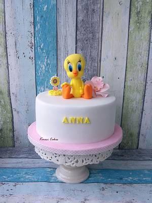 Tweety - Cake by Kmeci Cakes