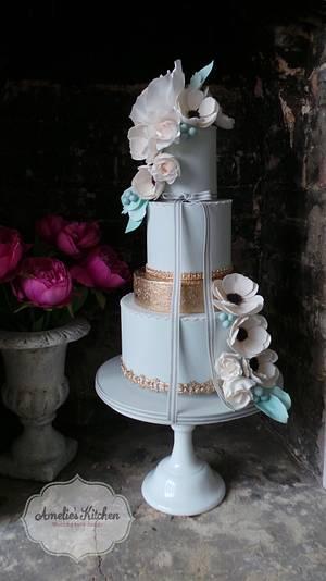 Blush anemones ❤️ - Cake by Helen Ward