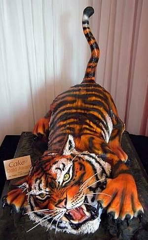 TIGER! - Cake by Sandra Maria Clennell SUGARFUN