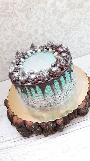 Silver drip cake - Cake by Nebibe Nelly
