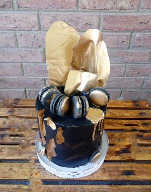 Black and Gold Drip Cake - Cake by Silvana Dri Cakes