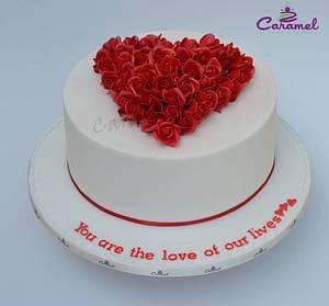 Heart flowers cake! - Cake by Caramel Doha