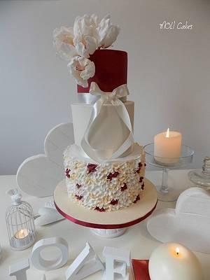 Wedding cake  - Cake by MOLI Cakes