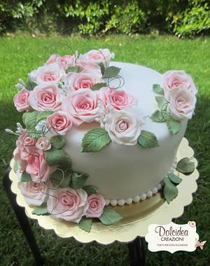 Torta di rose - Roses cake - Cake by Dolcidea creazioni
