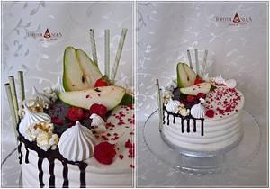 Drip cake with pear - Cake by Tortolandia