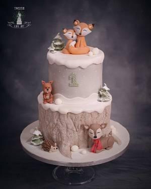 Winter woodland cake - Cake by Twister Cake Art