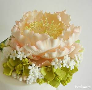 Peach Peony Topper - Cake by Petalsweet