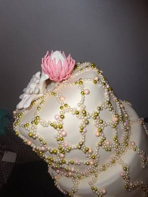 protea and edelweiss cake - Cake by liesel