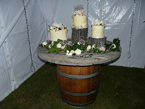 Romantic Vintage Country wedding. - Cake by Sue's Sweet Delights