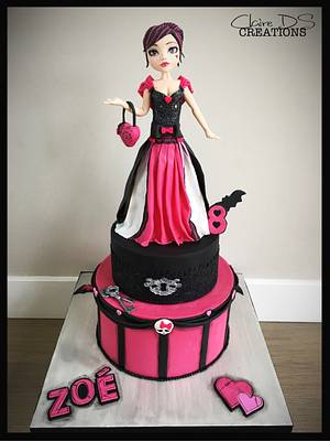 Birthday cake Monster High with Draculaura - Cake by Claire DS CREATIONS