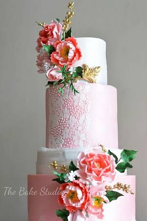 My first wedding cake! - Cake by The Bake Studio