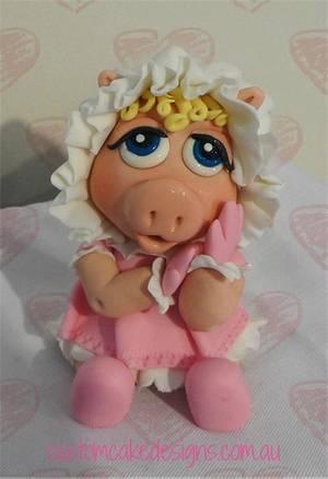 Baby Miss Piggy - Cake by Custom Cake Designs