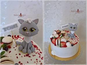 Drip cake with sweet cat - Cake by Tortolandia