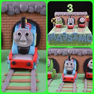 Thomas Tank Engine - Cake by Rosemary