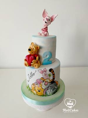 Winnie the Pooh - Cake by MOLI Cakes