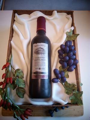 wine surprise - Cake by CoooLcakes