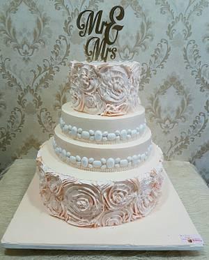 Peaches n Cream - Cake by Michelle's Sweet Temptation