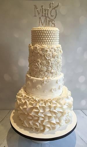 new frills cake - Cake by vida cakes