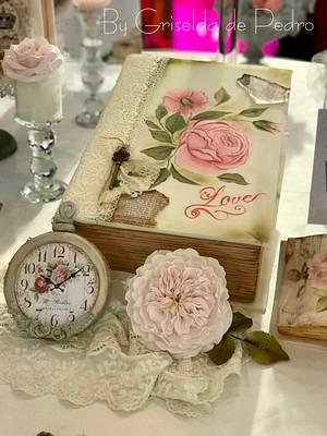 book reloj y rosa Inglesa comestibles  - Cake by Griselda de Pedro