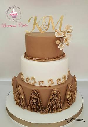 Gold Beige - Cake by mona ghobara/Bonboni Cake