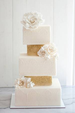 Wedding Cake. - Cake by Laura's Bakery