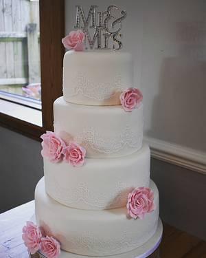 ELEGANT LACE WEDDING CAKE - Cake by JojosCupcakeMadness