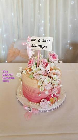 Floral Wedding - Cake by Amelia Rose Cake Studio