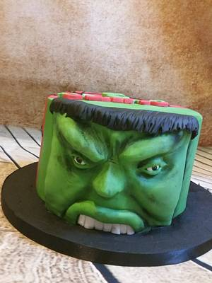 Hulk & spidey - Cake by Love it cakes