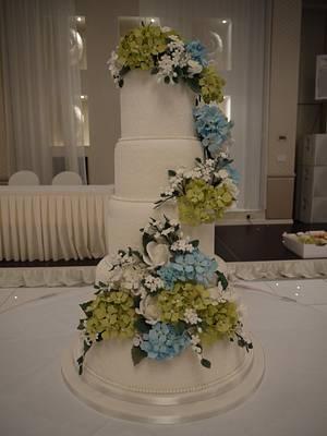 Hydrangea wedding cake - Cake by Galatia