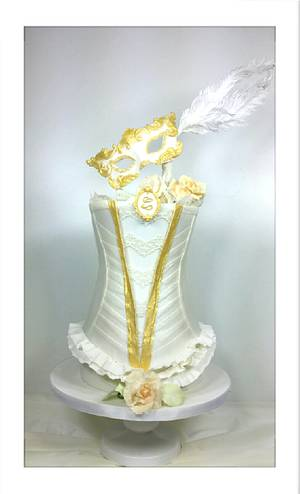 Masquerade in White  - Cake by claudiamarcel