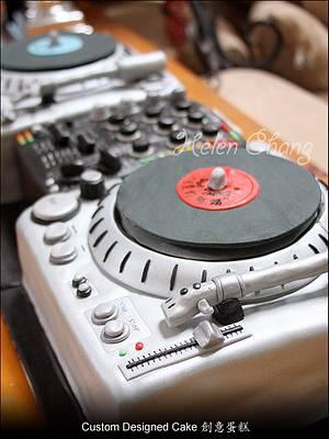 DJ Mixer Cake - Cake by Helen Chang