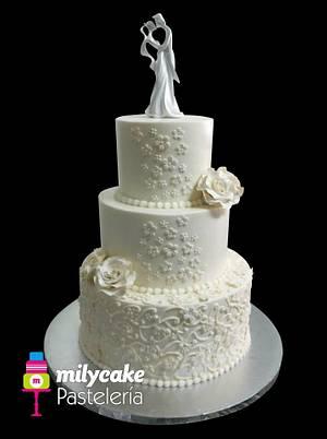 Buttercream Wedding Cake - Cake by Mily Cano