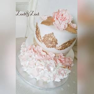 Ruffle peach white cake - Cake by Zoet&Zoet