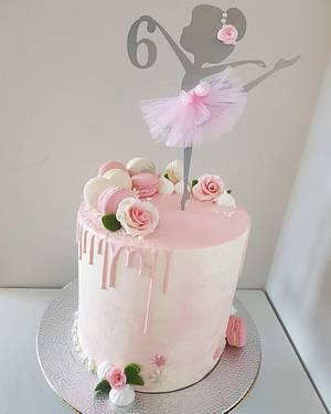 Ballerina Drip Cake - Cake by Sara Luz