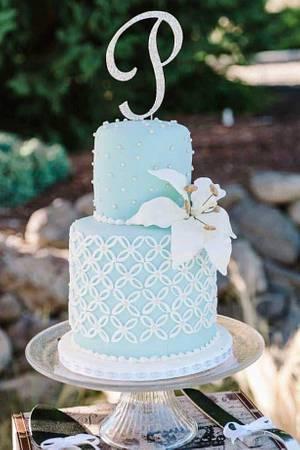 Light Aqua Quatrefoil  - Cake by Lori Goodwin (Goodwin Girls Cakery)