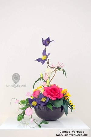 Sugar flowers - Cake by Taart en Deco