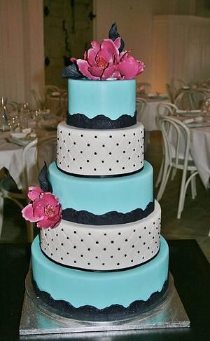5 tiered cake with fantasy magnolias - Cake by Sannas tårtor