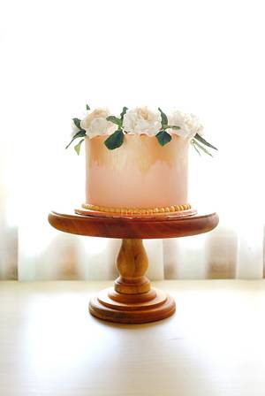 Carnation wreath - Cake by Trésor Cakes & Confiseries