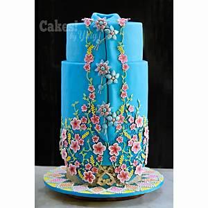 Blue Kebaya - Cake by Cakes! by Ying