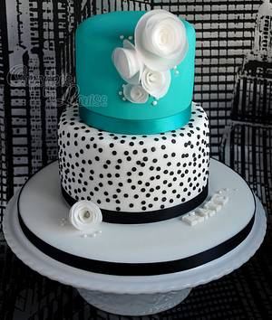Birthday cake inspired by the London designer, Lisa Stickley - Cake by CupcakesbyLouise